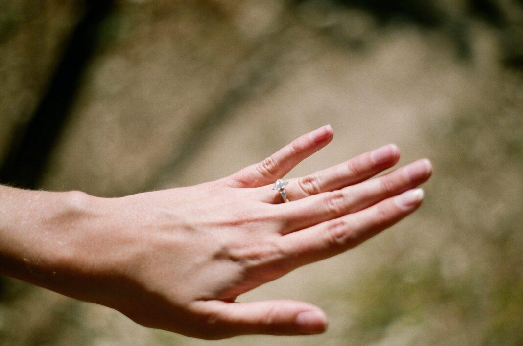 pierścninek,zaręczyny,pierścionek zaręczynowy